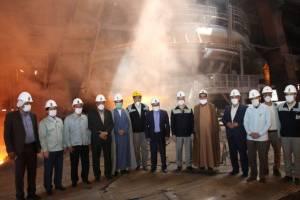 تلاشگران ذوب آهن اصفهان برای جهش تولید با تمام توان همت می کنند.